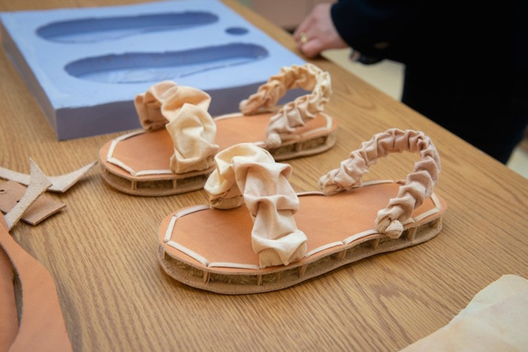 Des chaussures biodégradables composées de champignons et