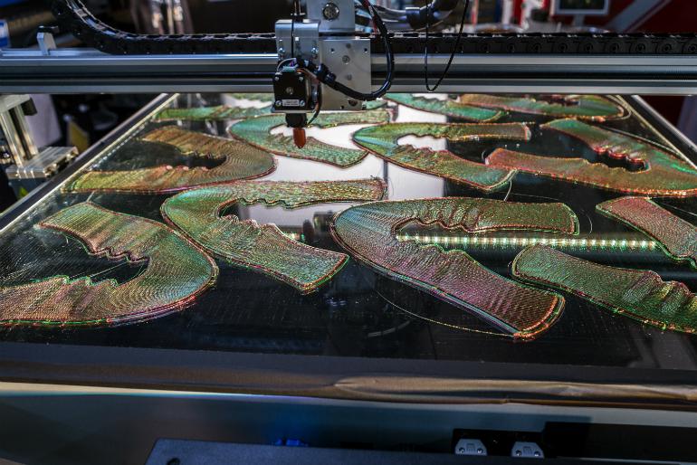 Court Flyprint La Vers Révolution De 3d L'impression Nike Avec OEwApdqq