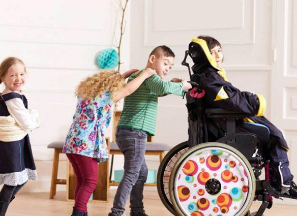 Kiabi, Les loups bleus - vêtements pour enfants en situation de handicap