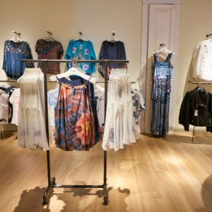 magasin de vêtements desigual